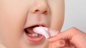 Trẻ biếng ăn do mọc răng - các mẹ phải làm thế nào?